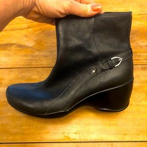 leather booties Naturalizer brand